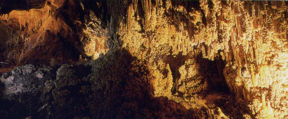 Valporquero y otras cuevas en León para visitar