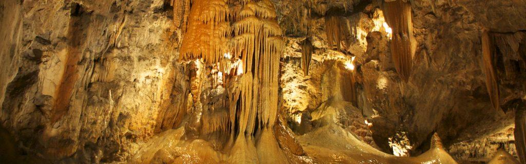 valporquero-cuevas-leon