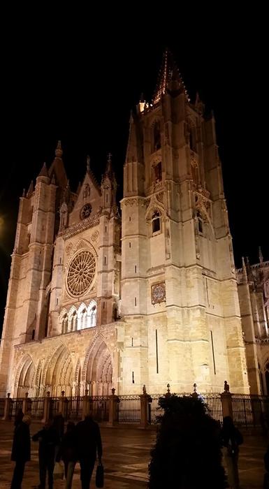 catedral-leon-nocturna