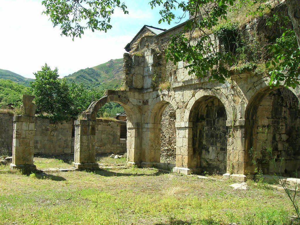 monasterio-san-pedro-montes-valdueza