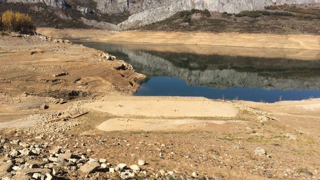 pantano-riaño-casi-seco